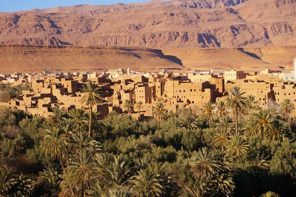 モロッコ砂漠ツアーの途中、トドラ渓谷へ