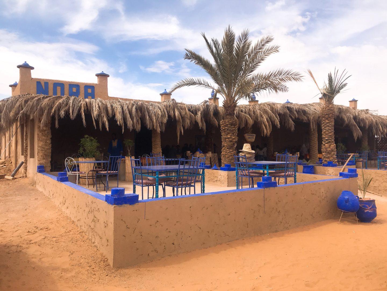 モロッコ現地ツアーで食べた昼ご飯 砂漠のピザ