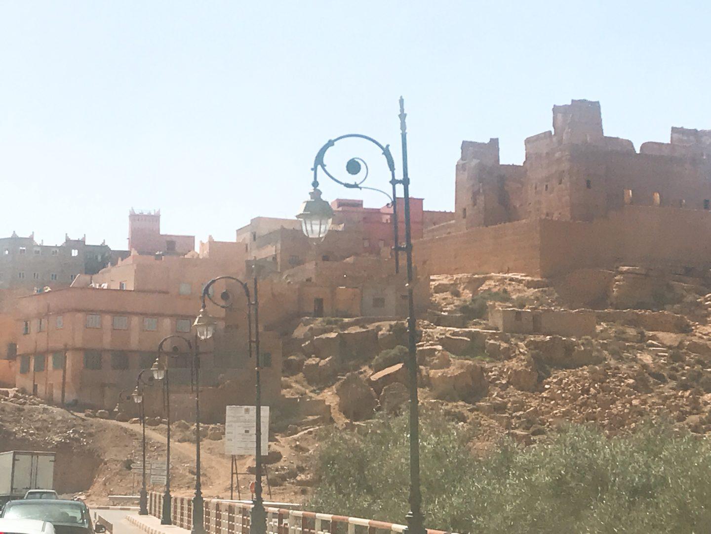 モロッコ現地ツアーでトドラ渓谷へ