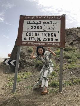 モロッコ 現地ツアーで砂漠を訪れる途中、ティシュカ峠へ